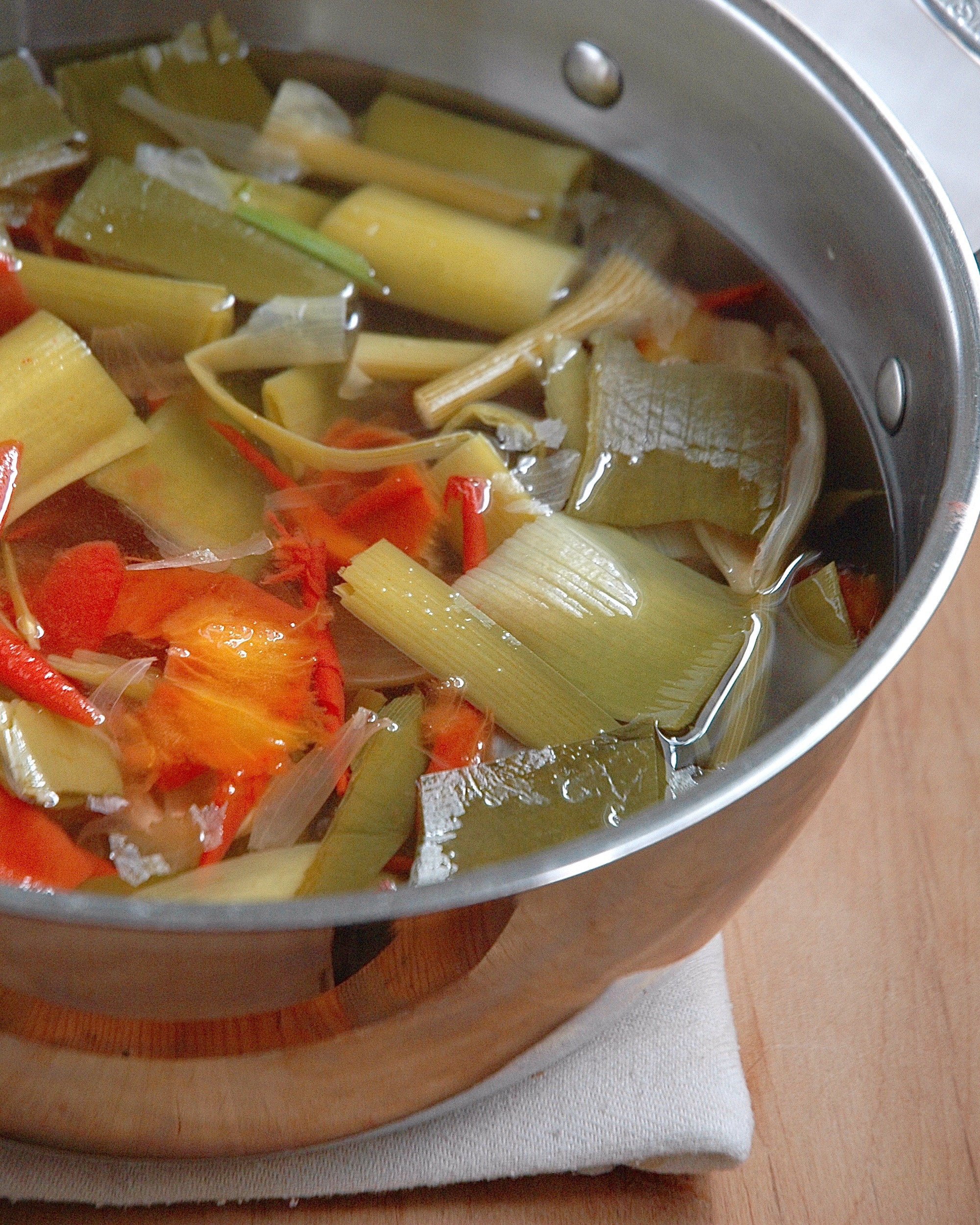 Homemade Vegetable Broth from Kitchen Scraps